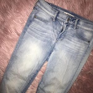 FAVORITE pair of abercrombie and fitch jeans